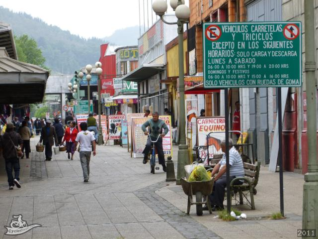 CycleStreets » Traffic-free zone around market, Temuco