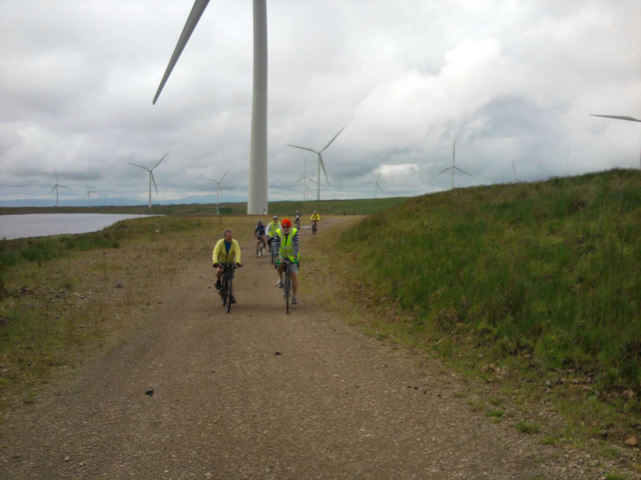 Google Maps Journey Planner >> CycleStreets » View a photo in the Photomap » Track in Whitelee Wind Farm, not too rough for ...